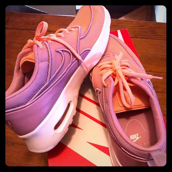 Nike Shoes - Nike huarache women's run ultra SE